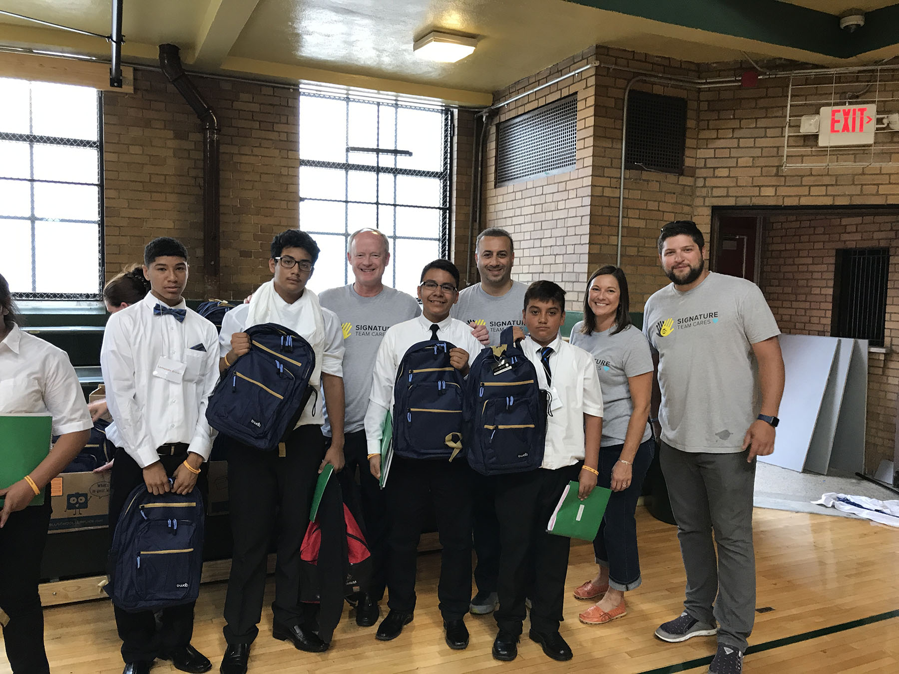 Detroit Cristo Rey group with their backpacks